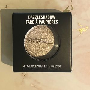 "MAC dazzleshadow in ""she sparkles"""